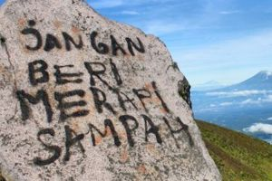 Ngaku pencinta alam? 5 etika saat naik gunung ini harus kamu amalkan