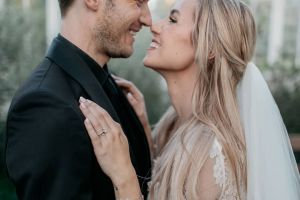 6 Potret bahagia pernikahan PewDiePie, YouTuber nomor satu dunia