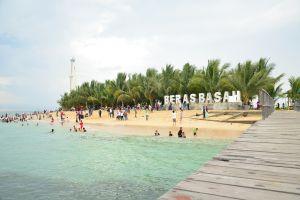 Jadi ibu kota baru, ini 10 pantai indah yang ada di Kalimantan Timur