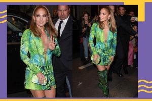 Jennifer Lopez guncang fashion show Versace dengan gaun seksi