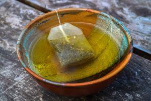 Mulai dari panen sampai di gelasmu, begini proses perjalanan teh hijau