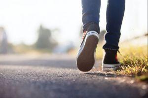 Ini 5 manfaat jalan kaki selama 30 menit sehari