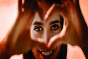 4 Cara mengatasi iritasi mata dengan cepat dan tepat