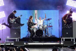 4 Lagu band rock ini bisa memanjakan telinga saat patah hati