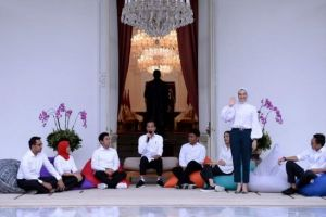 5 Fakta Angkie Yudistia, penyandang disabilitas staf khusus Presiden