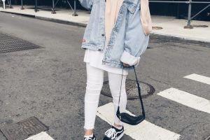 5 Mix and match jaket denim ini cocok buat para hijabers