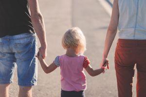 10 Kesalahan ini pernah dilakukan orang tua saat merawat anaknya