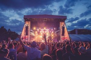 5 Tips agar acara nonton konser musik makin asyik