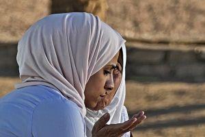 Doa setelah sholat tahajud lengkap dengan arti dan keutamaannya