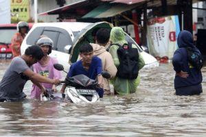 6 Tips mengatasi kendaraan mogok ketika banjir