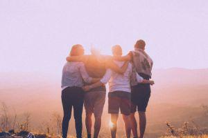 9 Rahasia bikin persahabatanmu harmonis, nggak gengsi minta maaf