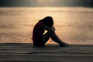 6 Cara menyembuhkan patah hati akibat diputuskan pacar