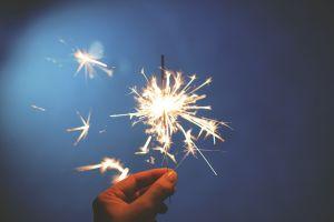 Begini 13 cara penggunaan kembang api yang baik dan benar