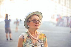 7 Cara menghadapi mertua yang terlalu ikut campur urusan rumah tangga