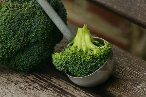 4 Buah dan sayur ini bisa bantu mencegah pertumbuhan kista ovarium