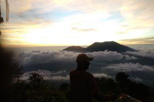 Pendakian pertama ke Gunung Marapi, Sumatra Barat