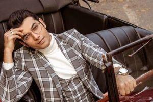 10 Pesona Sharad Malhotra, pemeran utama serial India Kasam