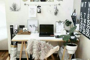 7 Cara membuat workspace nyaman di rumah agar kinerjamu meningkat