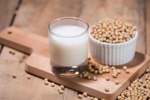 9 Manfaat mengonsumsi susu kedelai bagi kesehatan tubuh