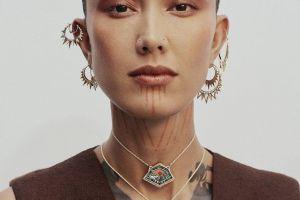 Dobrak standar kecantikan, ini 7 gaya Fahrani Empel dengan rambut unik