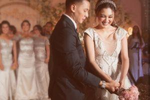 7 Momen pernikahan Dory Harsa & Nella Kharisma, resmi jadi suami-istri