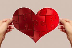 4 Tips agar tetap melangkah maju saat dilanda patah hati