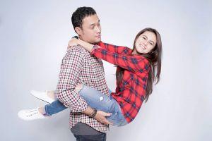 9 Potret manis Elsya Syarief dan Menco Hidayat, pasangan harmonis