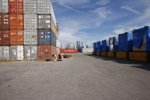 Serba-serbi kontainer 40 ft untuk pengiriman internasional