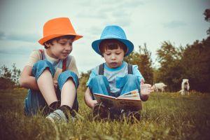 3 Cara mengakrabkan literasi pada anak usia dini