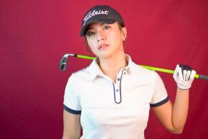 Tampil sporty, ini 7 potret keseruan Dita Fakhrana saat bermain golf