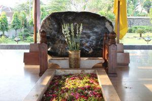 Menengok makam Sang Proklamator di Blitar