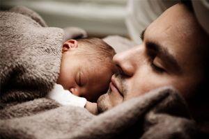 5 Perasaan yang bakal dirasakan oleh seorang ayah baru