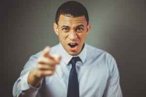 4 Hadis ini menjelaskan tentang baiknya menahan amarah