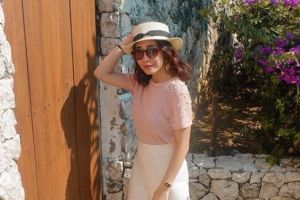 5 Gaya busana ala travel vlogger Grace Girsang ini bisa jadi inspirasi
