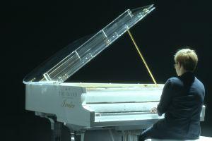 Pianis Randy Ryan menghidupkan kembali nostalgia One Summers Day
