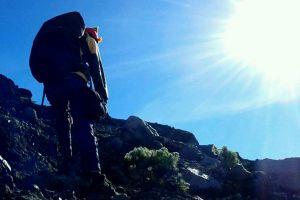 Menjelajahi Gunung Raung yang ekstrem di Jawa Timur