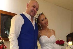 6 Artis menikah di atas umur 50 tahun, bukti cinta tak pandang usia