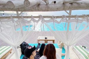 5 Potret Rosiana Dewi dan Handika Pratama honeymoon di Bali, romantis