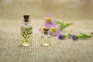 Sering dikira sama, ini 5 perbedaan essential oil dan fragrance oil