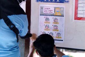 Mahasiswa KKN UM buat video dan poster cara mencuci tangan pakai sabun
