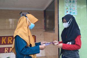 Mahasiswa KKN UNDIP ajarkan jurus jitu manajemen keuangan rumah tangga