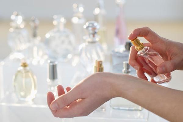 Fakta mencengangkan, ada parfum terbuat dari tinja manusia