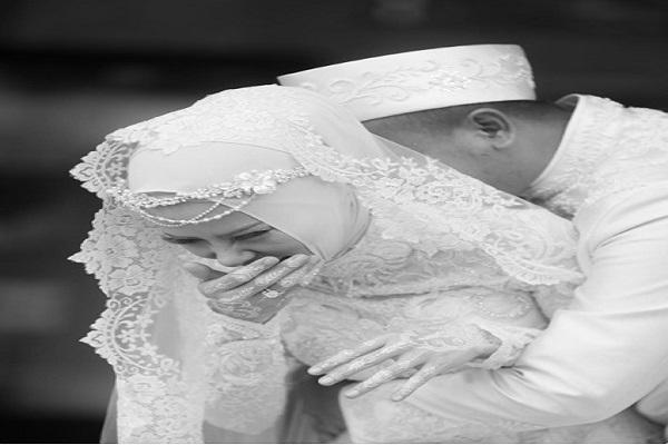 8 Potret pernikahan Angel Lelga & Vicky Prasetyo yang bikin baper fans