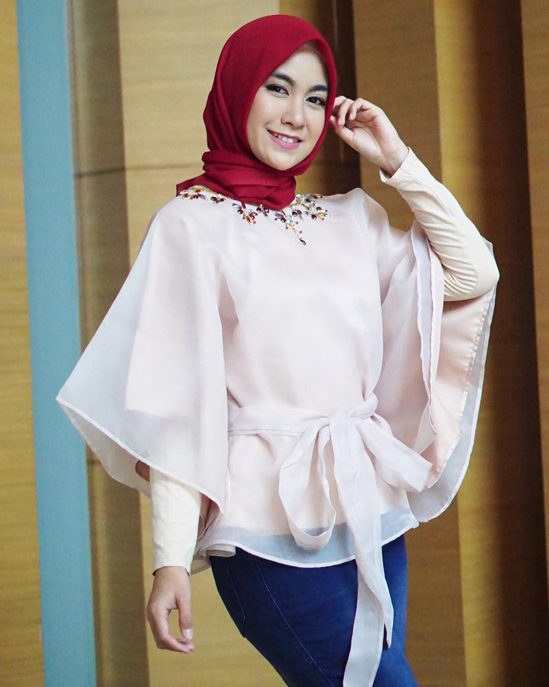 4 Busana hijab stylish ini pas untuk Lebaran