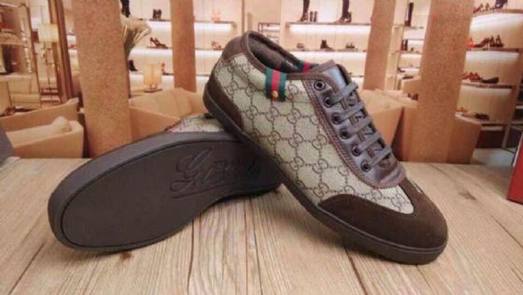 8 Cara mudah membedakan sepatu original c018744dae