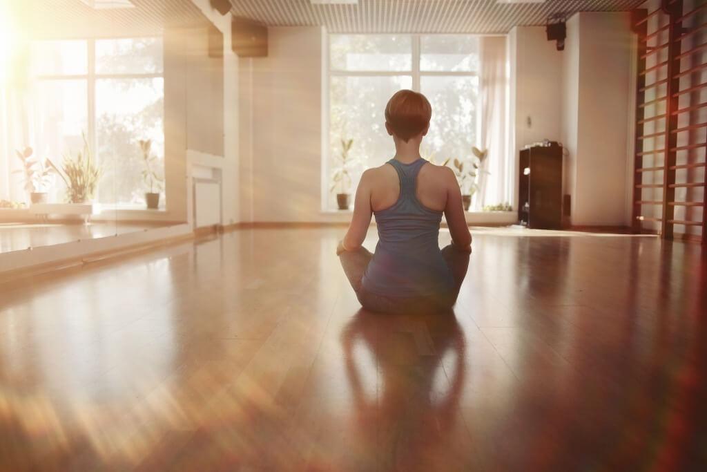 Biar stress hilang, yuk meditasi pakai 10 aplikasi keren ini di ponsel