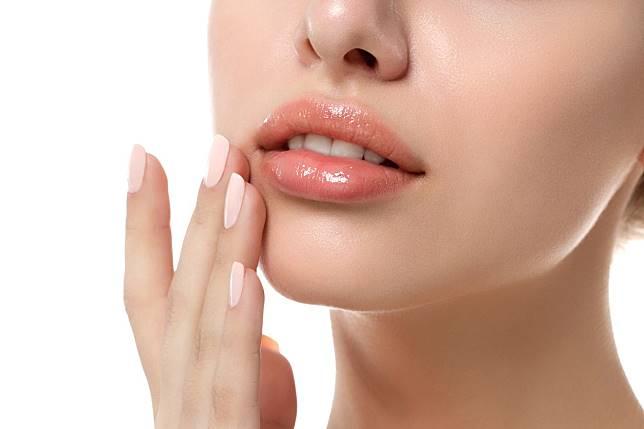 5 Cara Memerahkan Bibir Secara Alami Cepat Murah