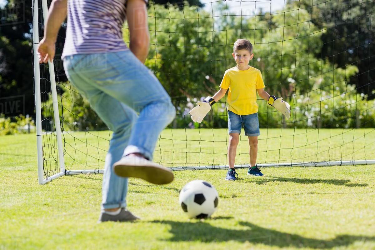 Anak Anak Pesepak Bola Ini Ikuti Jejak Sang Ayah Menjadi Legenda