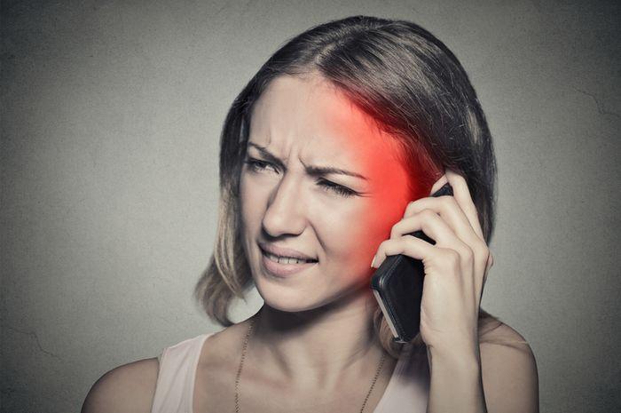 Berdampak buruk bagi kesehatan, ini 5 cara mencegah radiasi smartphone