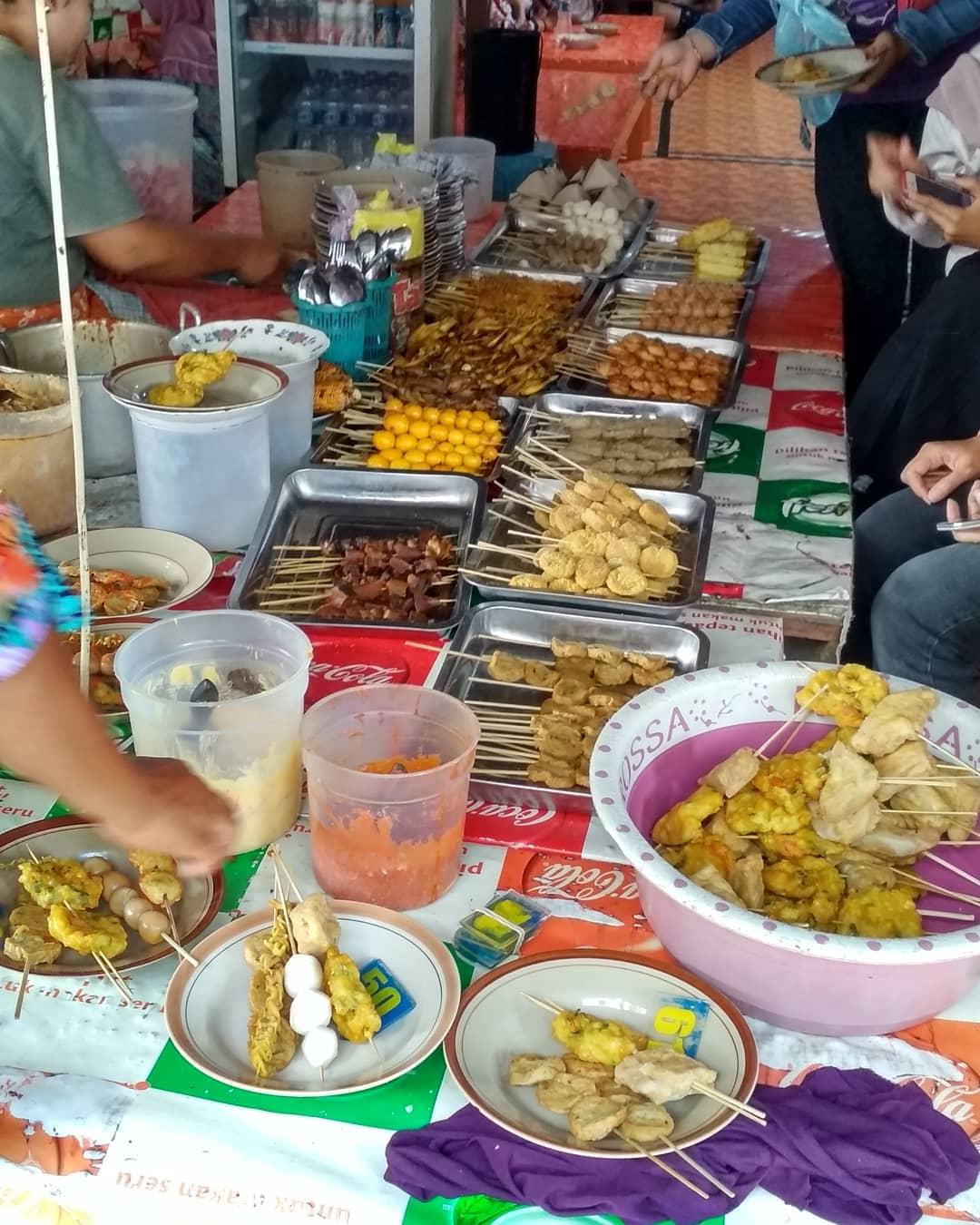 6 Kuliner Dan Jajanan Ini Perlu Kamu Cicipi Saat Mengunjungi